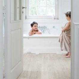 Quick-Step-Floors-Silver-Lining-Oak-QSV40030